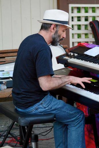 Joined by Keyboardist Ken Aigen of Stella Blue's Band