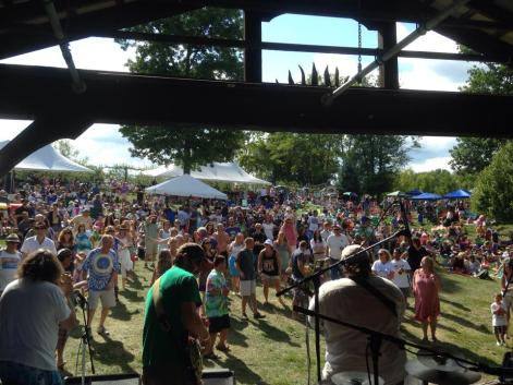 """View from stage at Warwick Valley Winery with special guest, Richie """"Shakin'"""" Nagin"""